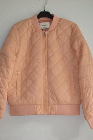 Красивая женская куртка бомбер от Страдивариус Испания - Страдивариус Str0366-cl-S